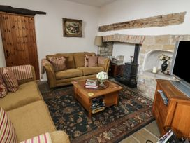 Snape Castle, The Undercroft - Yorkshire Dales - 976588 - thumbnail photo 5