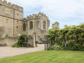 Snape Castle, The Undercroft - Yorkshire Dales - 976588 - thumbnail photo 17