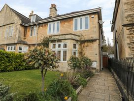 33 Crescent Gardens - Somerset & Wiltshire - 976724 - thumbnail photo 1