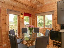 Sunnyside Lodge - Somerset & Wiltshire - 976874 - thumbnail photo 13