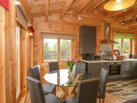 Sunnyside Lodge - Somerset & Wiltshire - 976874 - thumbnail photo 14