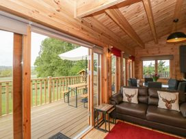 Sunnyside Lodge - Somerset & Wiltshire - 976874 - thumbnail photo 5