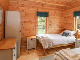 Sunnyside Lodge - Somerset & Wiltshire - 976874 - thumbnail photo 19