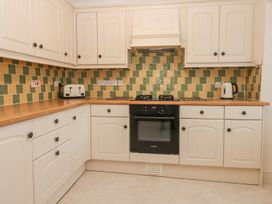 Yew Court Cottage - Whitby & North Yorkshire - 977243 - thumbnail photo 3