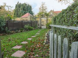 Yew Court Cottage - Whitby & North Yorkshire - 977243 - thumbnail photo 9