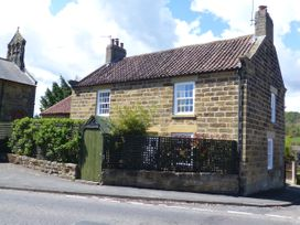 2 Church Cottages - Whitby & North Yorkshire - 977250 - thumbnail photo 1