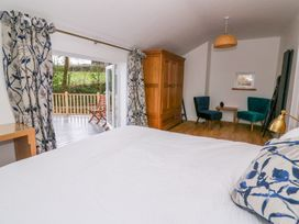 Crooked Hill Cottage - South Wales - 977490 - thumbnail photo 12