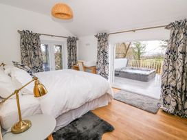 Crooked Hill Cottage - South Wales - 977490 - thumbnail photo 13