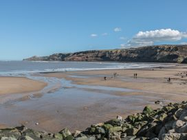 Holly Lodge - Whitby & North Yorkshire - 977864 - thumbnail photo 14