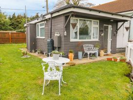 2 bedroom Cottage for rent in Harwich