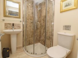 The Ocean Suite - North Wales - 979424 - thumbnail photo 13