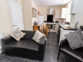 The Ocean Suite - North Wales - 979424 - thumbnail photo 7