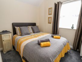 The Ocean Suite - North Wales - 979424 - thumbnail photo 14