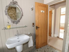 Puffitts Cottage - Cotswolds - 979435 - thumbnail photo 35