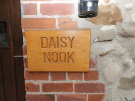 Daisy Nook - Whitby & North Yorkshire - 979598 - thumbnail photo 2