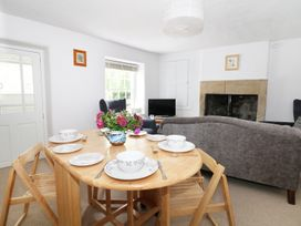 Gritstone Cottage - Peak District - 979710 - thumbnail photo 10