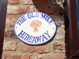 The Old Mill Hideaway - Whitby & North Yorkshire - 980040 - thumbnail photo 2