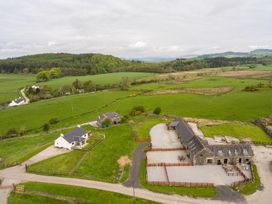 The Middle Byre - Scottish Lowlands - 980115 - thumbnail photo 32