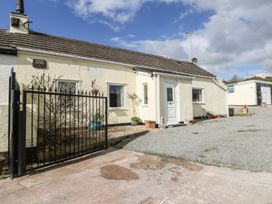 3 bedroom Cottage for rent in Gwalchmai
