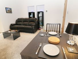 Orme Court - North Wales - 980758 - thumbnail photo 3