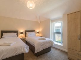 Apartment 4, 7 St Anns Apartments - North Wales - 980934 - thumbnail photo 10