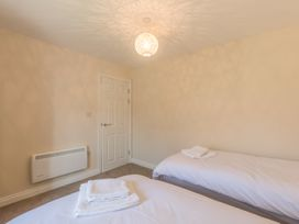 Apartment 4, 7 St Anns Apartments - North Wales - 980934 - thumbnail photo 12
