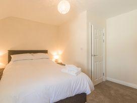 Apartment 4, 7 St Anns Apartments - North Wales - 980934 - thumbnail photo 13
