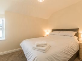 Apartment 4, 7 St Anns Apartments - North Wales - 980934 - thumbnail photo 14