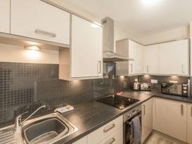 Apartment 4, 7 St Anns Apartments - North Wales - 980934 - thumbnail photo 6