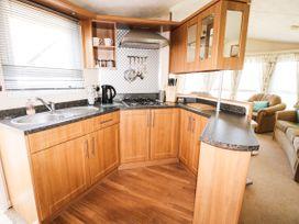 Lodge - Anglesey - 981059 - thumbnail photo 8