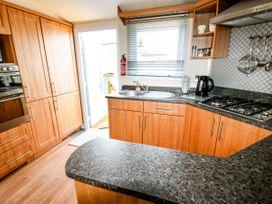 Lodge - Anglesey - 981059 - thumbnail photo 9