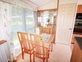 Lodge - Anglesey - 981059 - thumbnail photo 10