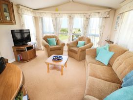 Lodge - Anglesey - 981059 - thumbnail photo 4