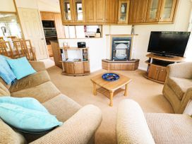 Lodge - Anglesey - 981059 - thumbnail photo 5