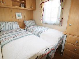 Lodge - Anglesey - 981059 - thumbnail photo 11