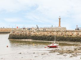 Sailing By - Whitby & North Yorkshire - 981087 - thumbnail photo 15