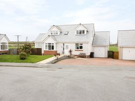 4 bedroom Cottage for rent in Cemaes Bay