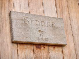Brooke -  - 981548 - thumbnail photo 3