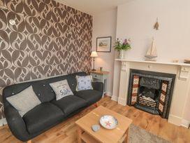 Flat 2, Mindello House - Whitby & North Yorkshire - 981616 - thumbnail photo 4
