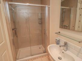 Flat 2, Mindello House - Whitby & North Yorkshire - 981616 - thumbnail photo 8