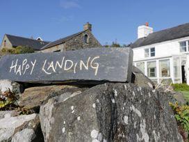 Happy Landing - North Wales - 981807 - thumbnail photo 1