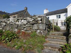 Happy Landing - North Wales - 981807 - thumbnail photo 17