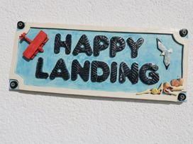 Happy Landing - North Wales - 981807 - thumbnail photo 2