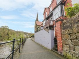 1 bedroom Cottage for rent in Llangollen