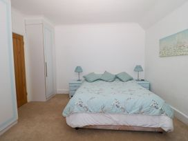 Dover Close - Dorset - 982374 - thumbnail photo 22