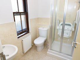 5 Chandlers Yard - South Wales - 982375 - thumbnail photo 10