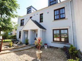 4 bedroom Cottage for rent in Burry Port
