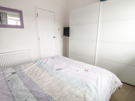 Swanage Bay Apartment - Dorset - 982712 - thumbnail photo 14