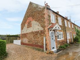 Herbies Cottage - Norfolk - 982782 - thumbnail photo 2