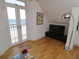 Flat 3, Peacehaven - Whitby & North Yorkshire - 982823 - thumbnail photo 9